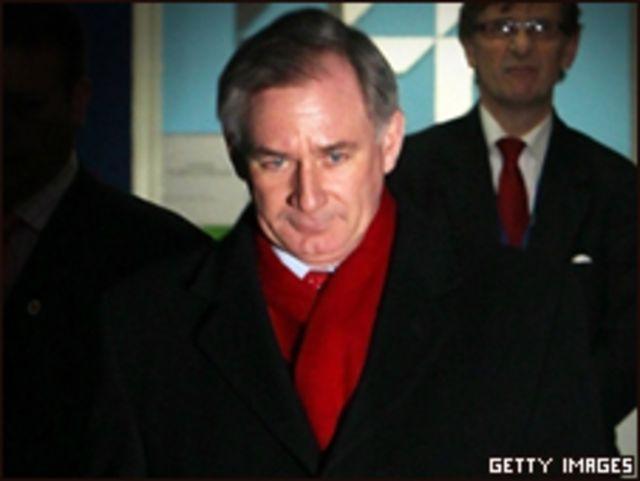 جيفري هون وزير الدفاع البريطاني سابقا