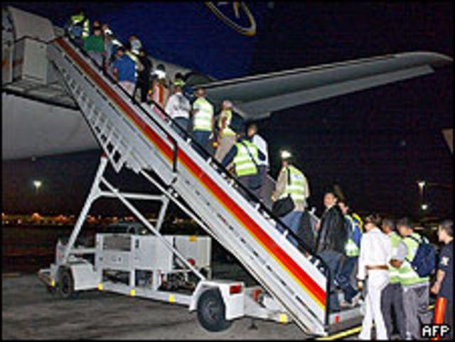 Deportación de indocumentados en España (foto de archivo)
