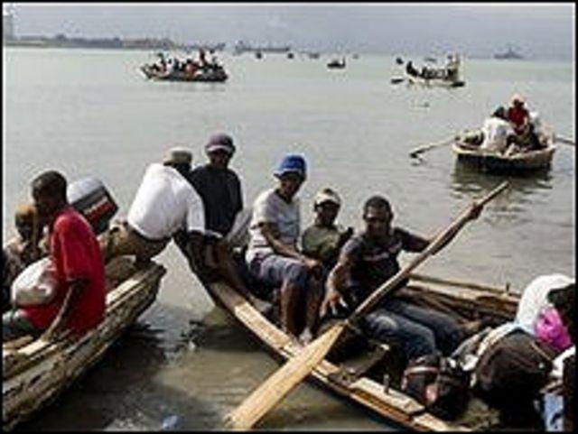 Balseros de Haití frente a las Islas Turcas y Caicos (Foto: ONU)