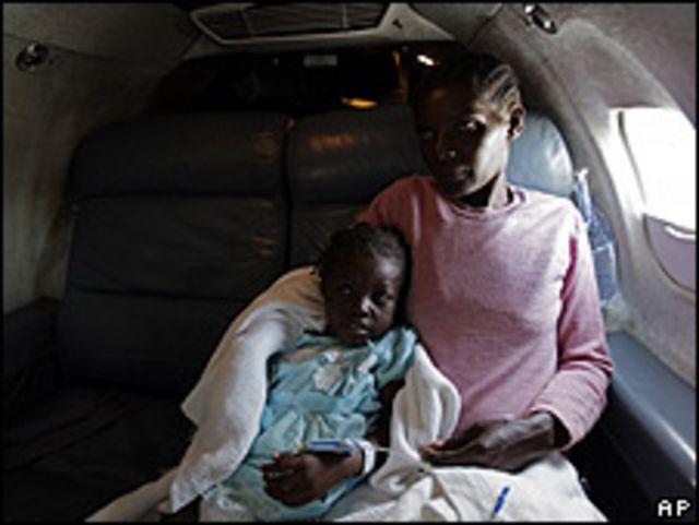 Dos haitianas en un avión