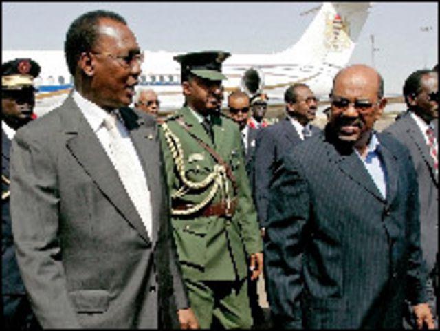 الرئيس السوداني عمر البشير والرئيس التشادي ادريس ديبي في الخرطوم