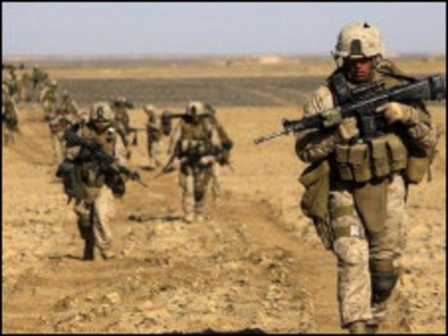 جنود ينتشرون في افغانستان