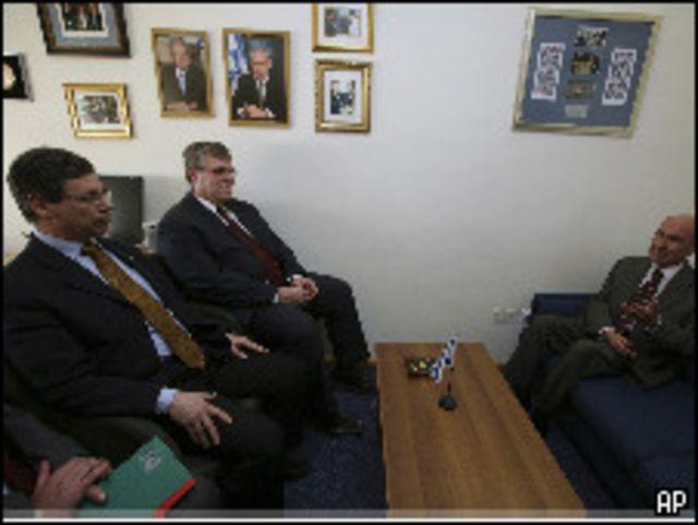 ايالون والسفير التركي