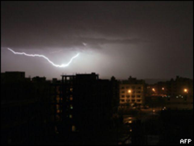 عاصفة رعدية في القاهرة