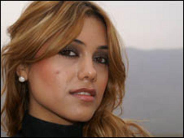 داشني، مغنية كردية عراقية تقيم في المانيا