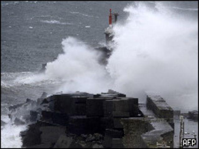 عواصف شمالي إسبانيا