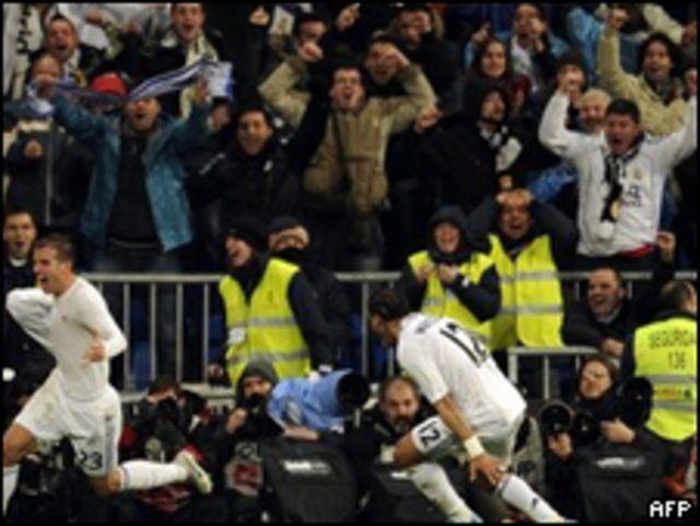 لاعبو ريال مدريد يحتفلون بالفوز