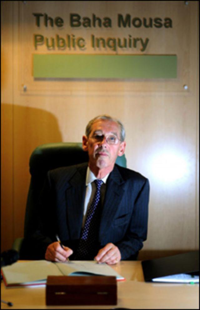 السير وليام كيج، رئيس لجنة التحقيق بمقتل العراقي بهاء موسى