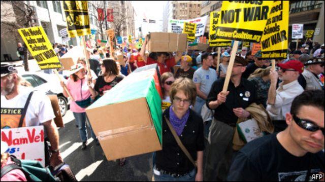 متظاهرون في شوارع واشنطن