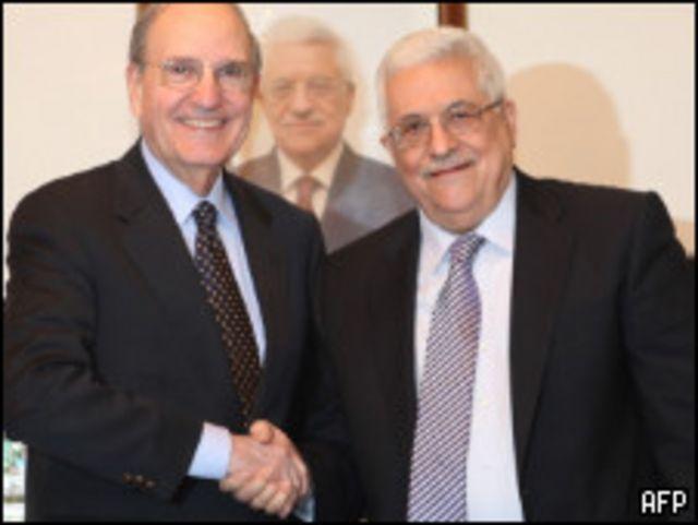 محمود عباس وجورج ميتشل