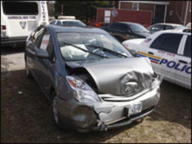 سيارة برايوس محطمة في حادث بهاريسون نيويورك