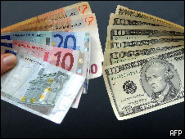 أوراق يورو ودولار