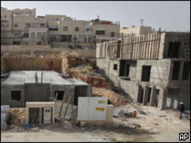 الخلاف تفجر عقب الإعلان عن بناء 1600 وحدة سكنية جديدة في القدس الشرقية