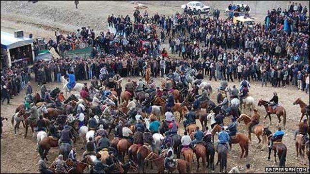 چاواندازان در میدان بزکشی