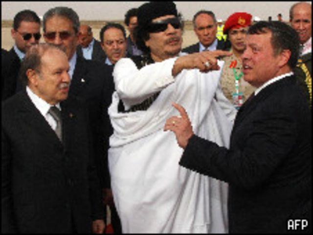القذافي والملك عبد الله الثاني وبوتفليقة