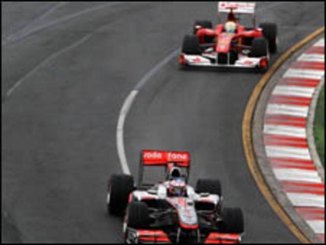 جنسون باتون متقدما على فيليبي ماسا في سباق استراليا