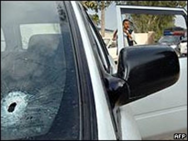 سيارة الدبلوماسي بعد عملية الاختطاف