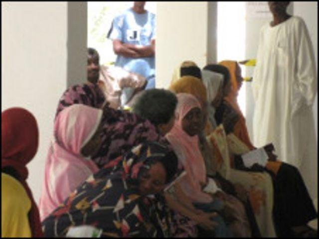مركز انتخابي في الخرطوم