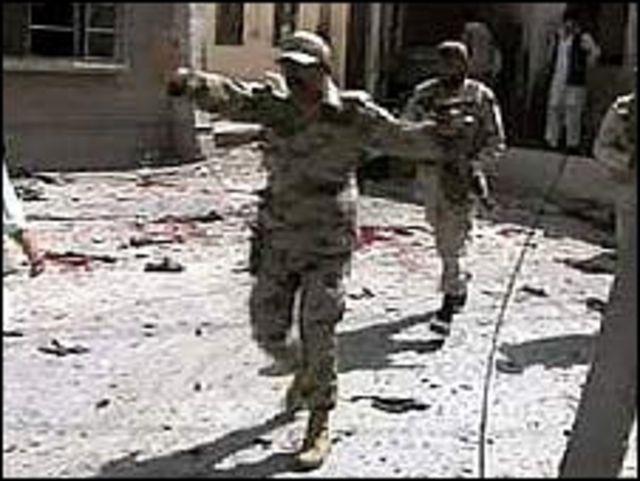 الشرطة الباكستانية تخلي محيط المستشفى بعد التفجير