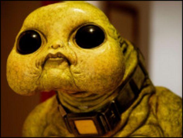 Кадр из телепередачи с изображением инопланетянина