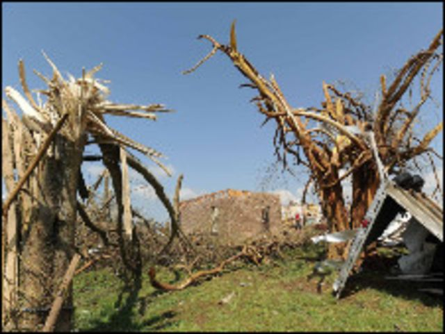 اضرار الاعصار