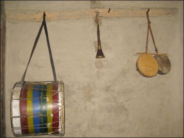 ہنزہ میں ابھی تک شادی یا خوشی کے موقع پر موسیقی کے ان ہی آلات کا استعمال کیا جاتا ہے