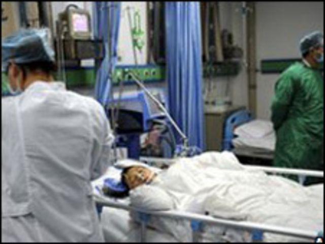 طفل يعالج في المستشفى