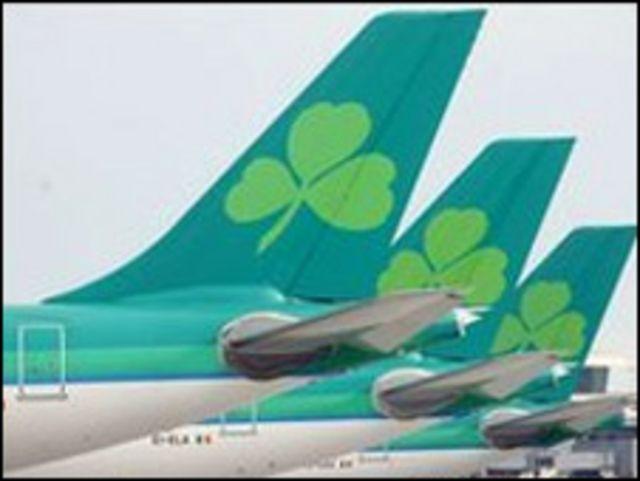 طائرات متوقفة في إيرلندا