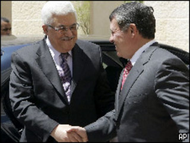 العاهل الأردني يستقبل عباس
