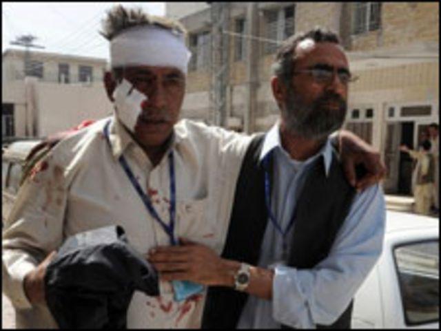 جرحى بعد حادث تفجير في باكستان
