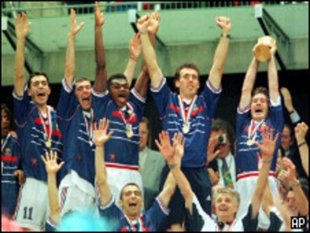 تتويج فرنسا بكأس العالم