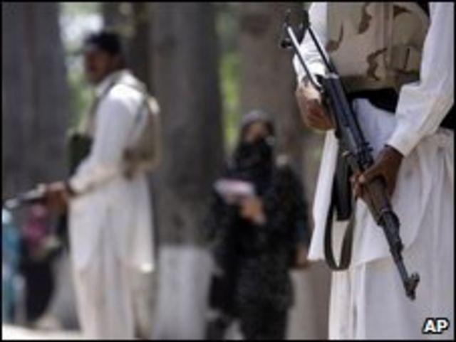 مسلحون من طالبان في باكستان