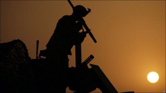 بالصور: القوات الأمريكية المقاتلة تنسحب من العراق - BBC News عربي