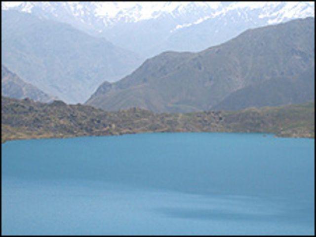 برخی بر این باورند که کول (دریاجه) شیوه در مقایسه با افغانستان بیشتر برای مردم ساکن استان بدخشان تاجیکستان خطر آفرین است