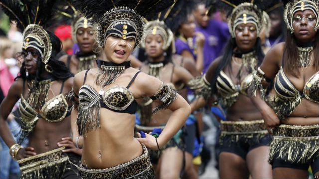 Лондонський карнавал Ноттінґ Гілл проводиться в останній вихідний серпня з 1966 року і вважається найбільшим у Європі.