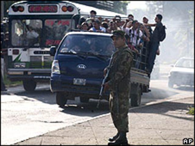 Paro de transporte en San Salvador.