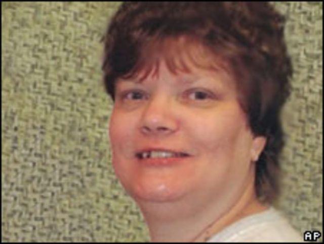 Teresa Lewis dijatuhi hukuman mati karena merencanakan pembunuhan