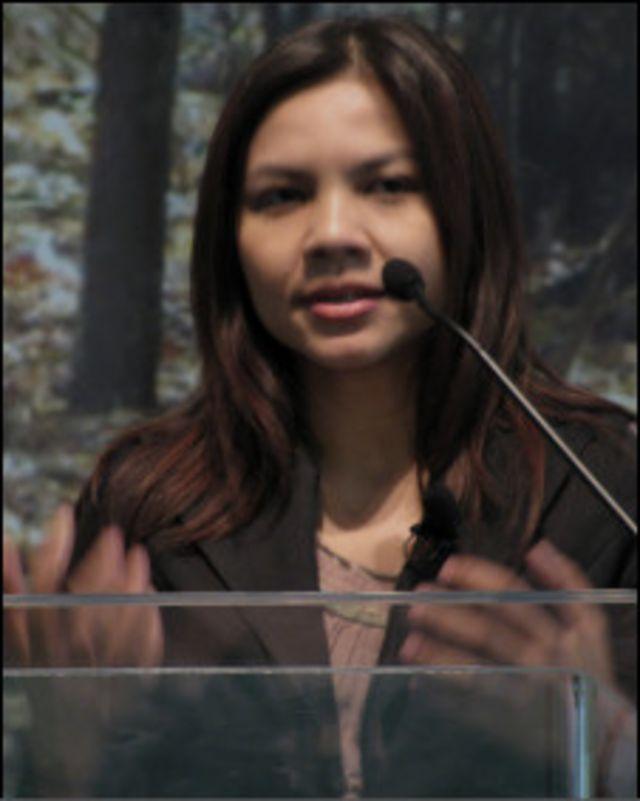 Blogger Supinya Klangarong nêu tại hội nghị vấn đề kiểm duyệt mạng ở Thái Lan kể từ năm 2007