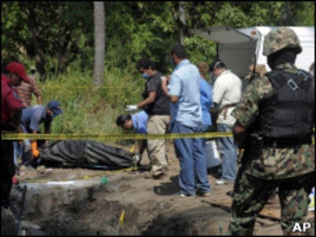 Мессовое захоронение в Мексике