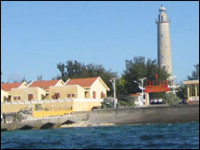 Song Tử Tây là đảo lớn thứ hai, sau đảo Trường Sa mà Việt Nam đang làm chủ tại vùng tranh chấp