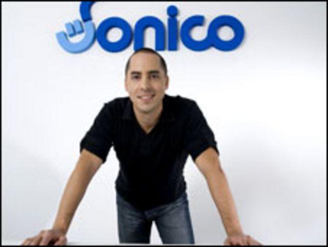 Rodrigo Tejeiro, Sónico