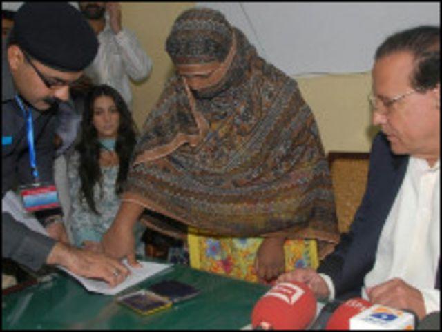 پاکستان میں شدت پسندی کے رحجان کے پھیلاؤ سے مذہب کے نام پر ہلاکتوں میں  بھی اضافہ ہوا ہے۔