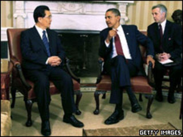 胡錦濤(左)與奧巴馬在白宮橢圓形辦公室內會面(19/1/2011)
