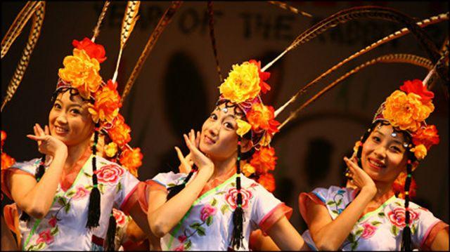 解放軍總政歌舞團的《俏花旦》