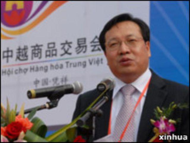 中國駐越南的商務參贊胡鎖錦