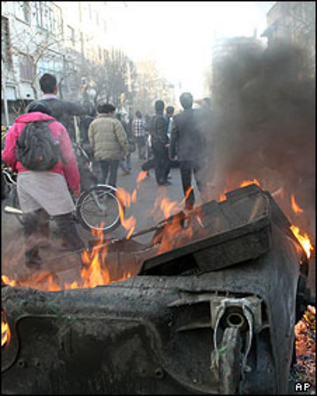 گزارش شده که ده ها نفر در جریان این اعتراضات بازداشت شده اند