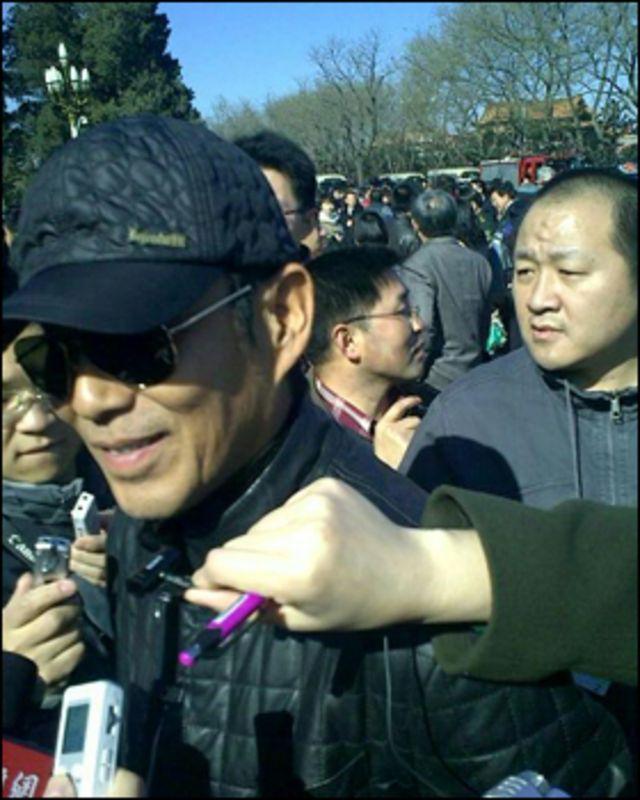 記者採訪兩會明星(03/03/2011)