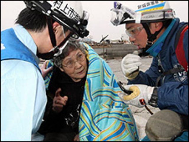 地震九天後獲救的80歲老人