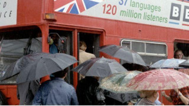 Автобус Би-би-си в Киеве