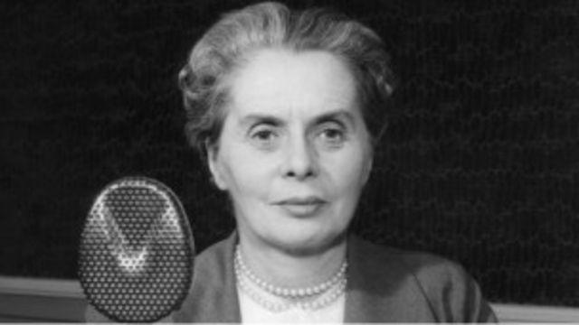 Dame Ninette de Valois BBC Stüdyosunda